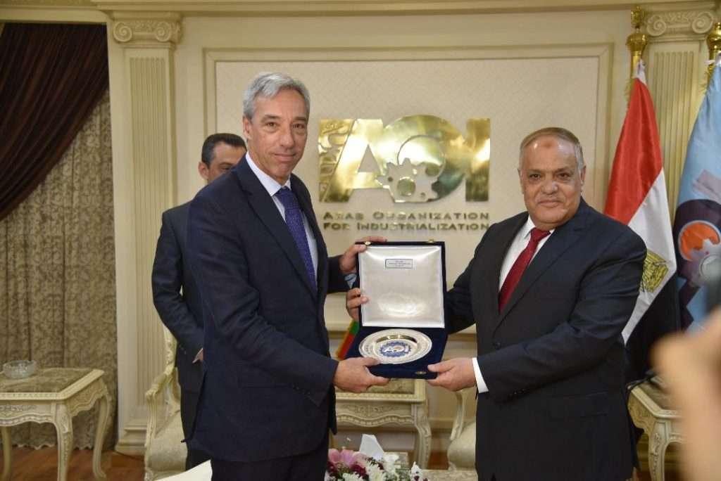 الفريق التراس يبحث مع وزير الدفاع البرتغالى الشراكة بمجال الصناعات الدفاعية والمدنية