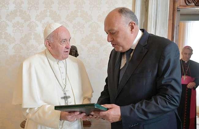 بالصور.. بابا الفاتيكان يستقبل سامح شكري في روما