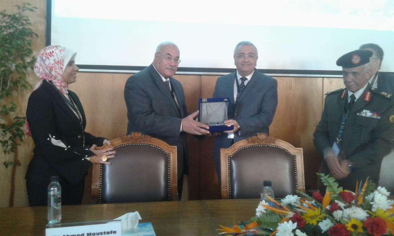 هندسة الإسكندرية تنظم الملتقى الأول لصناعة الغزل والنسيج