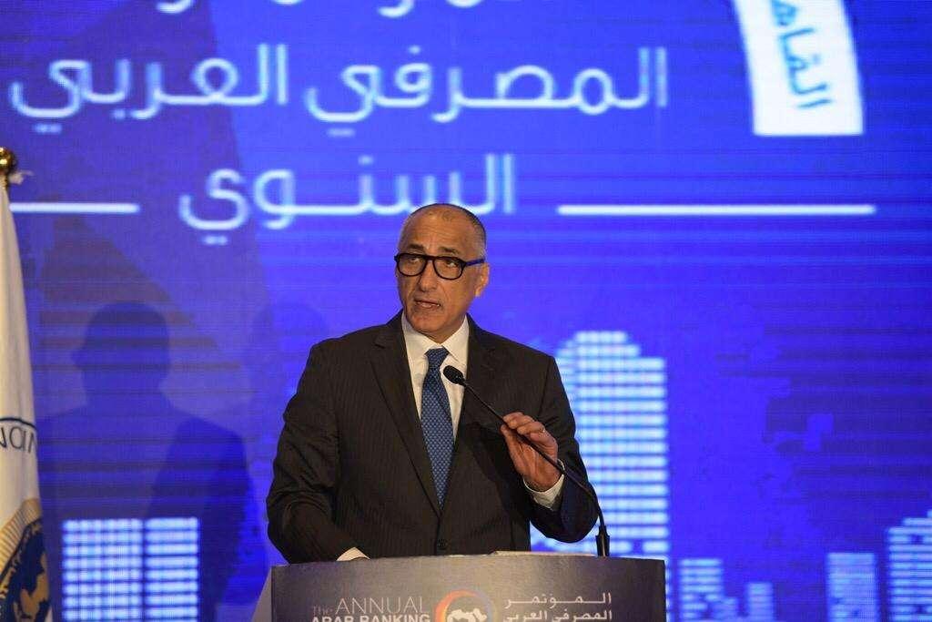 طارق عامر: نتعامل بسياسة مرنة ولا نضيّق على المستثمرين