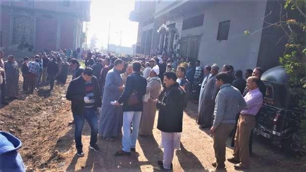 أهالي شبرا يرفضون دفن طبيبة توفيت بكورونا.. اتفرج