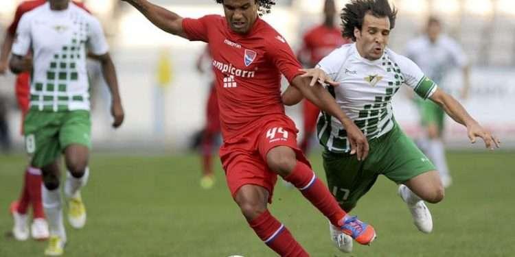 فيسنتي يضرب أفيس بثلاثية نظيفة في الدوري البرتغالي