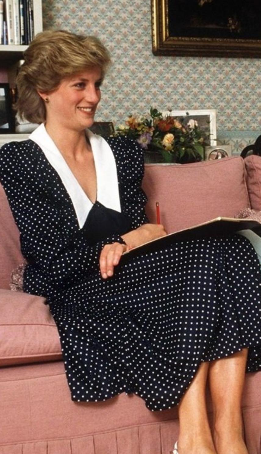 بالصور..كيت ميدلتون تخطف الانظار بإطلالة مستوحاة من الأميرة ديانا