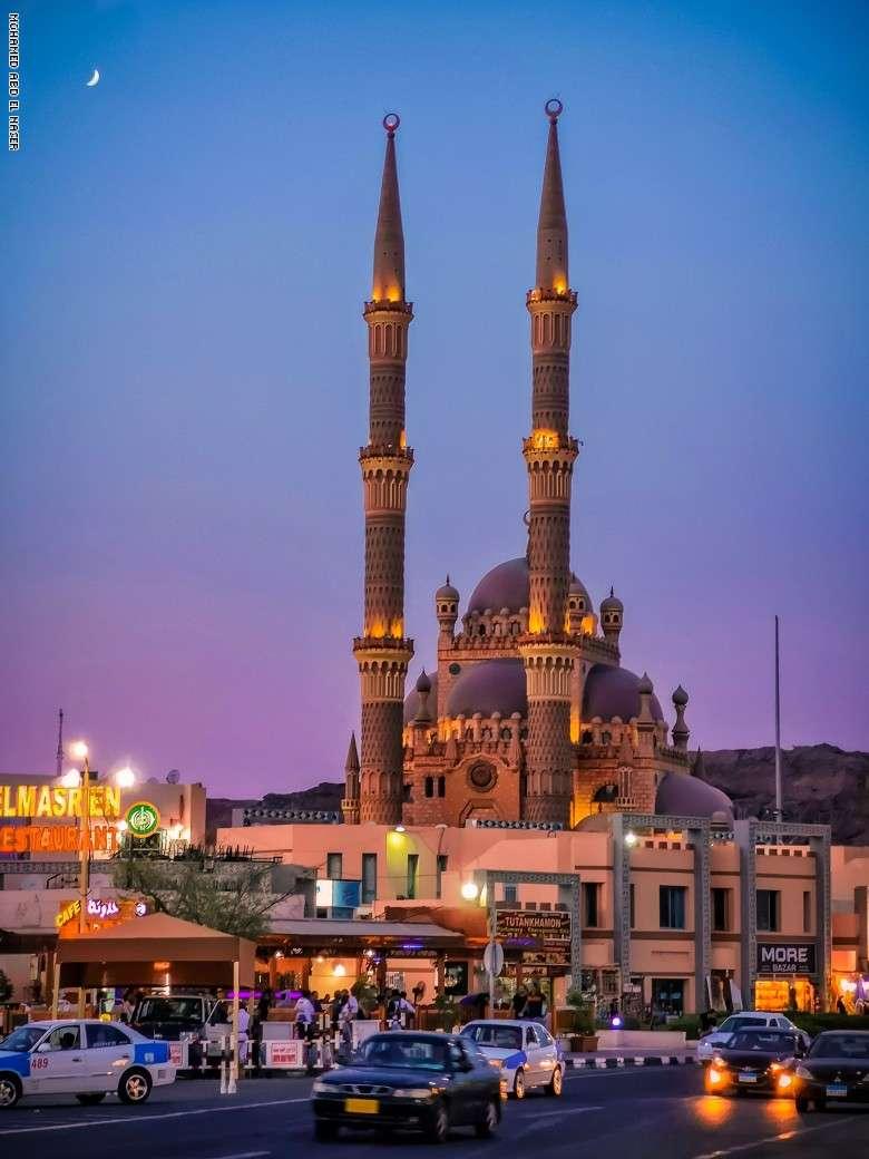 مسجد الصحابة قبلة السياح في شرم الشيخ.. اتفرج