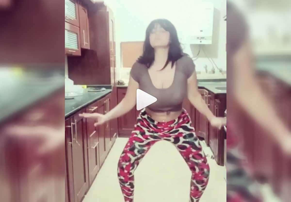 """شاهد - الفيديوهات الكاملة لـ""""سما المصري"""" التي أثارت الغرائز الجنسية"""