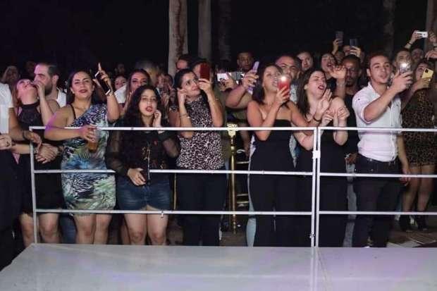 باسم السمرة وبيكا وكمال والراقصة ليندا في حفل خناق جماعي بسقارة.فيديو
