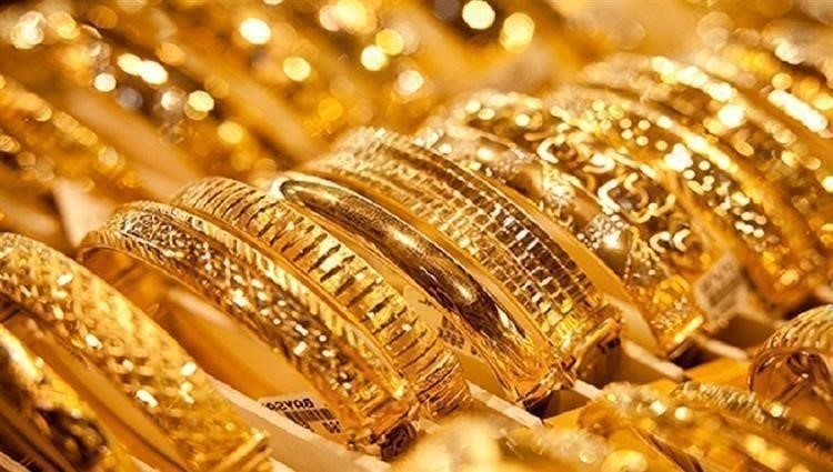 الذهب لابس اسود واعلن الحداد