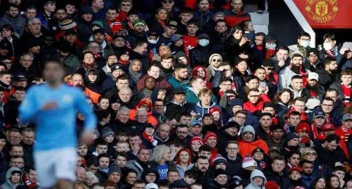 ليدز يونايتد يعارض خطة عودة جماهير الدوري الإنجليزي