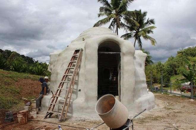 """بورتوريكو يواجهون الأعاصير بـ بيوت مبتكرة من الرمل.."""" سوبر أدوبي"""""""