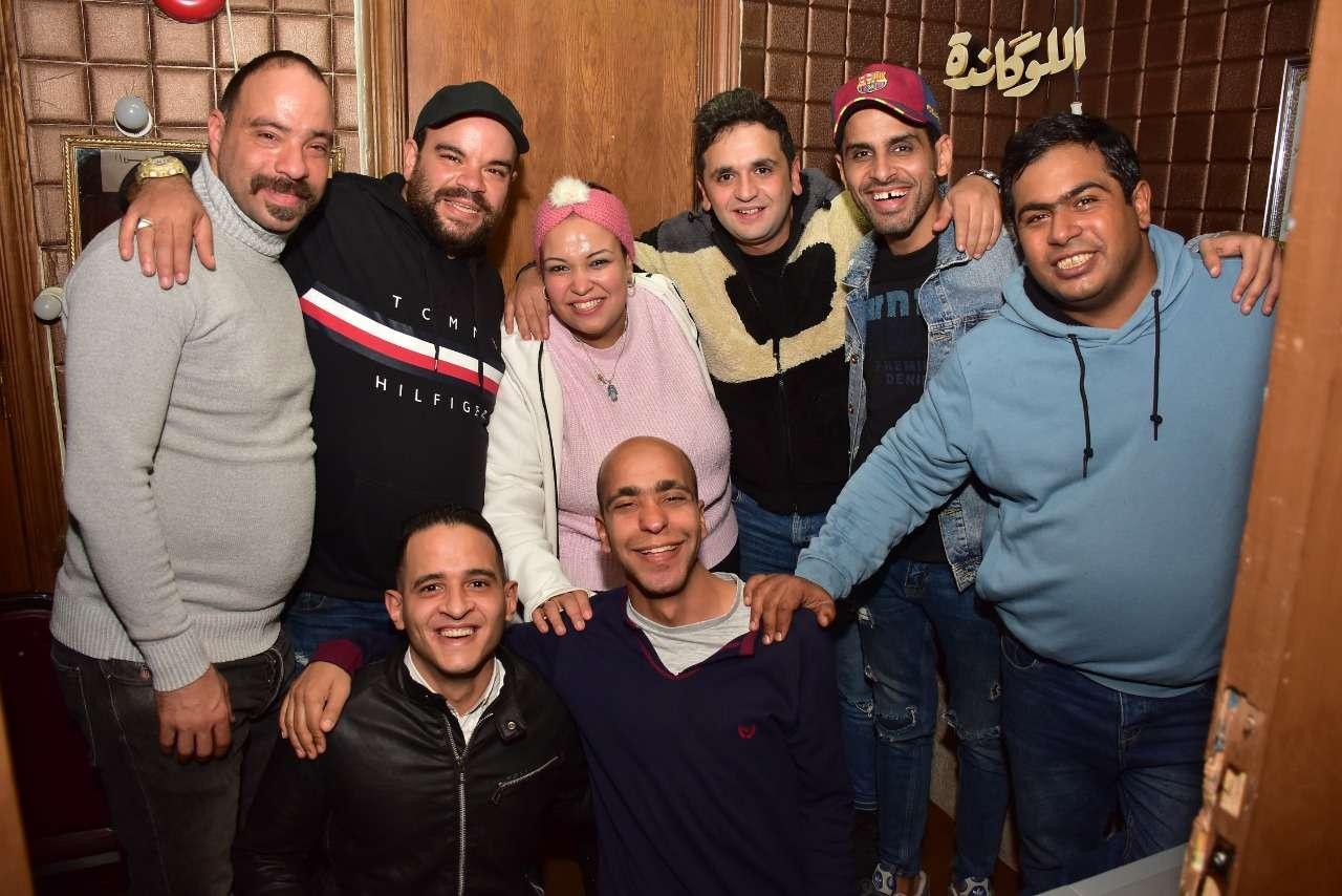 """بالصور- نجوم مسرح مصر يلتقون في كواليس """"اللوكاندة"""""""