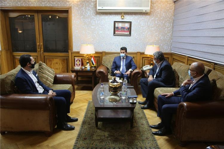 بالصور.. وزير الرياضة يجتمع مع لجنة مجاهد الثلاثية
