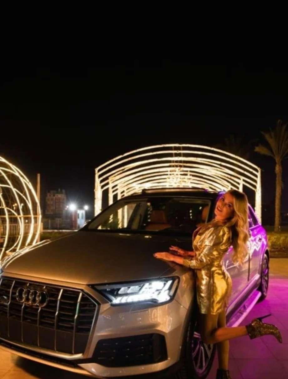 شاهد.. رزان مغربي تخطف الانظار بفستان ذهبي في احدث جلسة تصوير لها