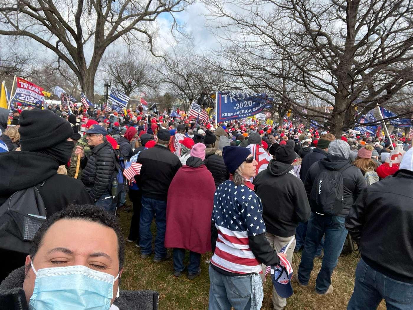 صور وفيديوهات من قلب الأحداث في واشنطن