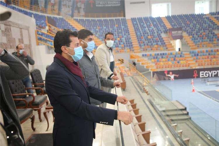 أشرف صبحي يتفقد المدينة الرياضية بالعاصمة الإدارية