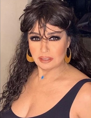 فيفي عبده بتقاوم كورونا و المرض بدون حمالة الصدر - اتفرج