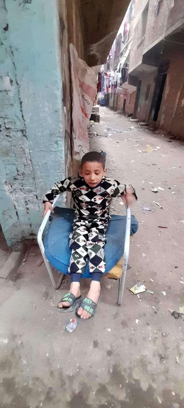 شاهد.. العثور علي طفل مخطوف مع سيده في المرج والقبض عليها