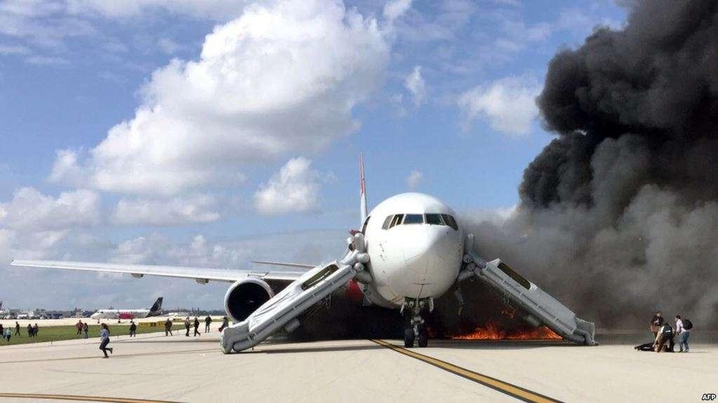 السعودية تعلن عن احتراق طائرة مدنية