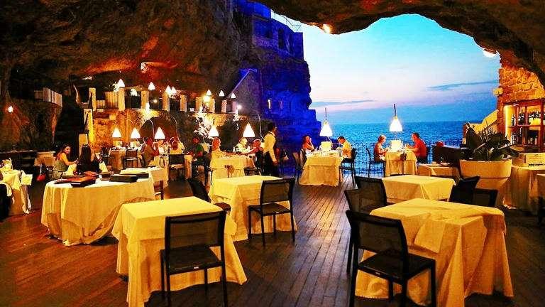 أجمل المطاعم في العالم : خدلك لفة هناك واملى بطنك