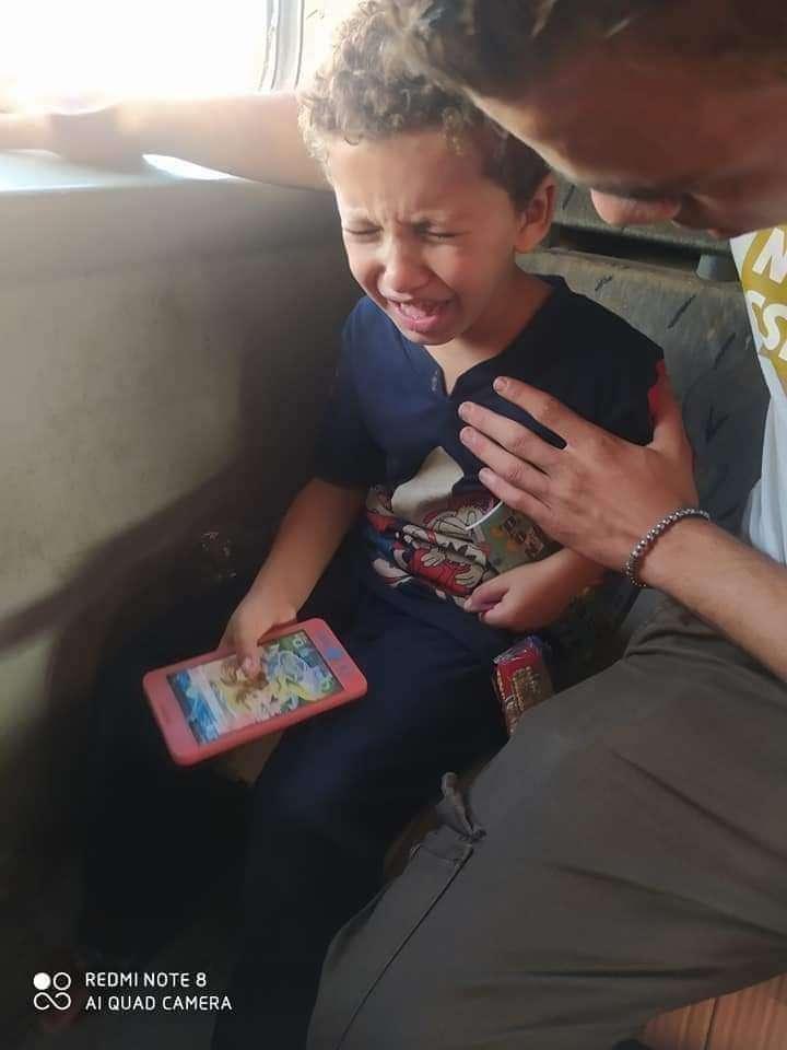 """ساعد في عودته .. العثور علي الطفل """"عمر طه"""" تائه في قطار الاسكندرية"""