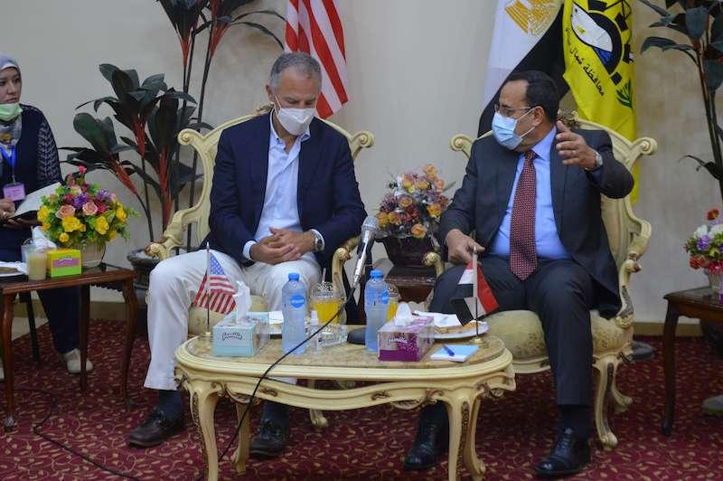 الدنيا أمان في شمال سيناء بدليل زيارة السفير جوناثان كوهين
