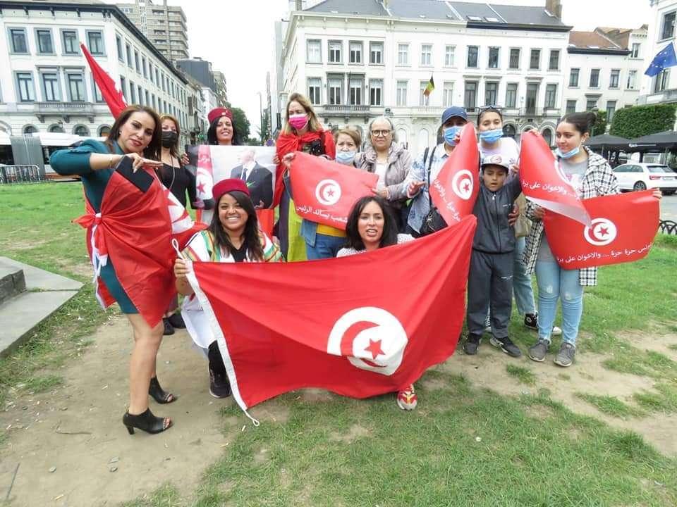 مظاهرات أمام البرلمان الأوروبي تضامنا ودعما لقرارات الرئيس التونسي