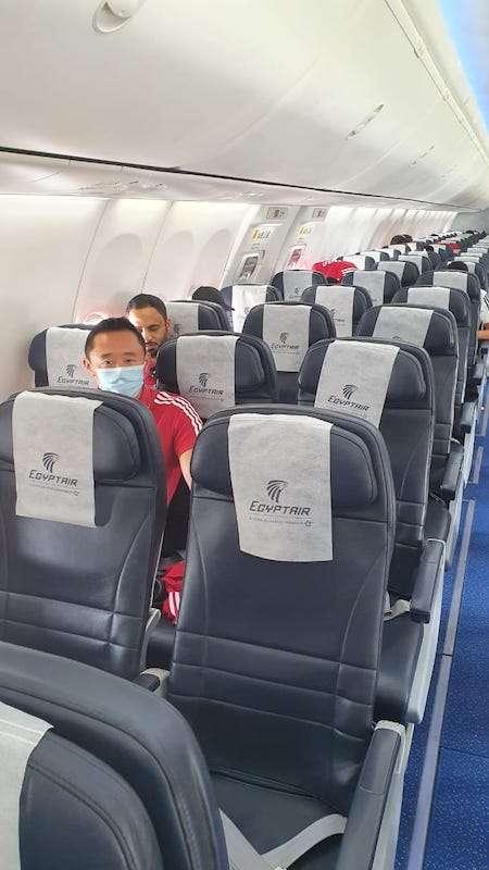 المنتخب الإماراتي يستقل مصر للطيران صربيا الي دبي