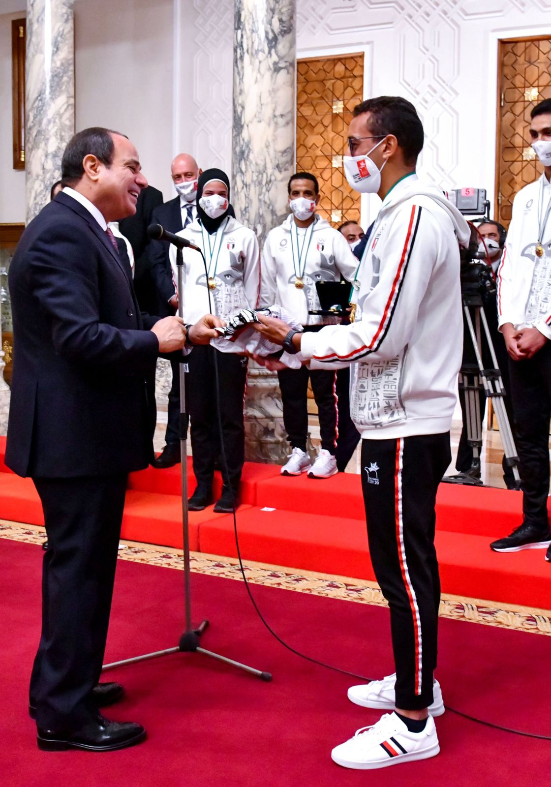 السيسي لأبطال أولمبياد طوكيو : قدوة للشباب في التفوق وقوة العزيمة