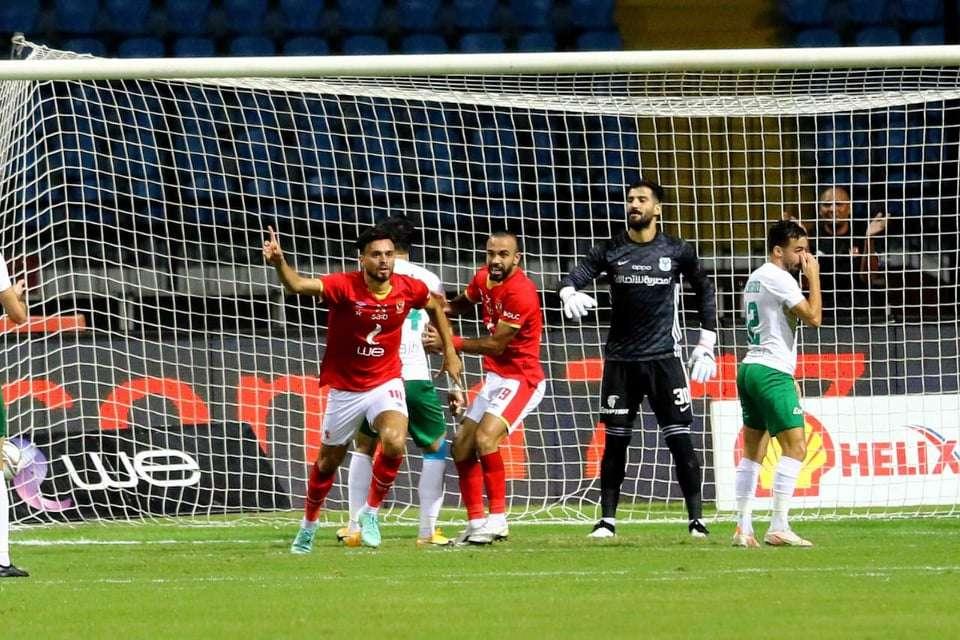 مهرجان أهداف.. الأهلي يتقدم على المصري 3-2 بالشوط الأول