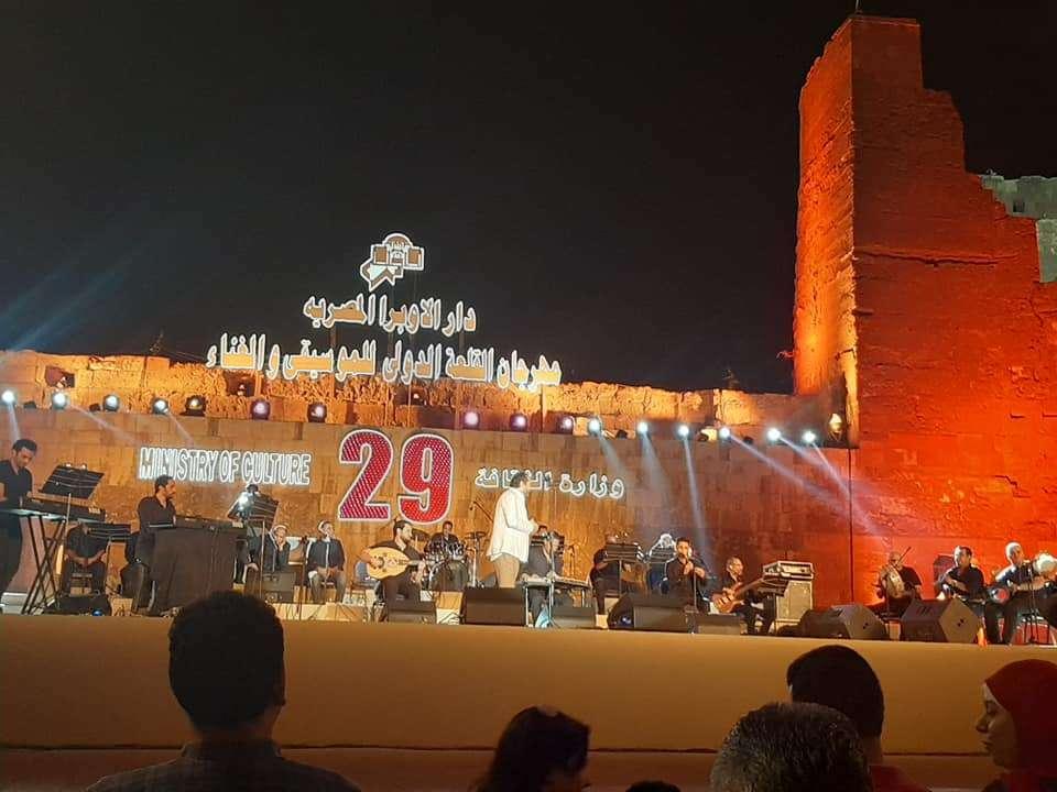 ألبوم صور مهرجان القلعة الدولي للموسيقى والغناء