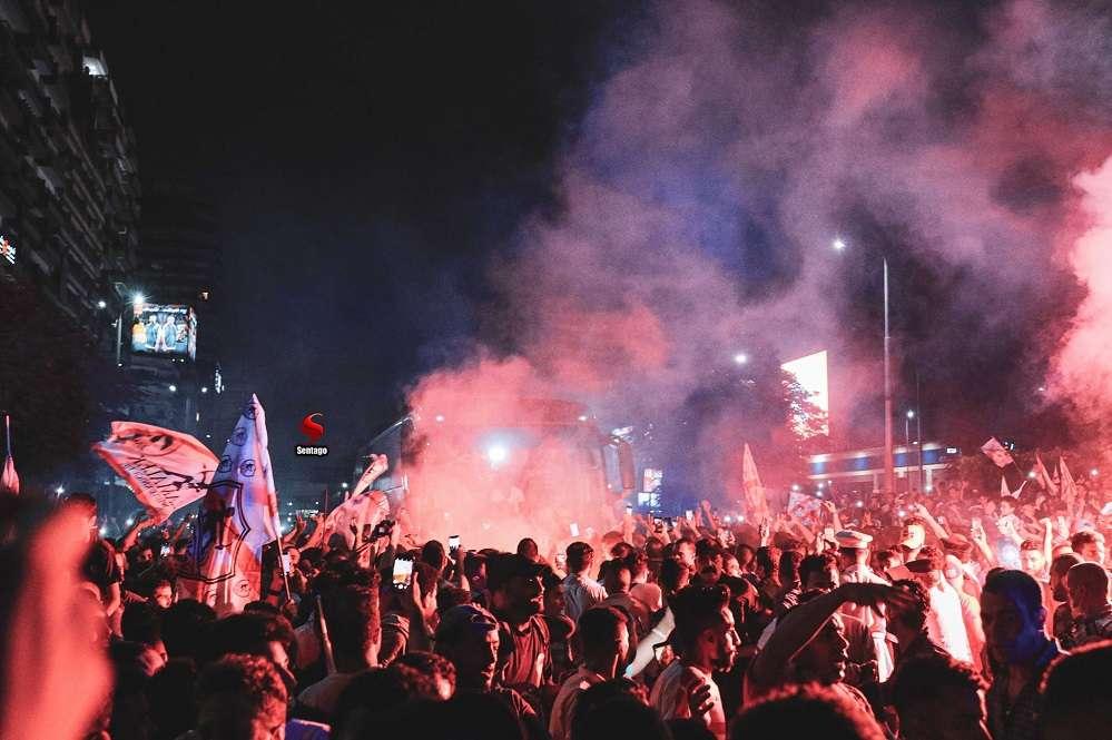 صباح الدوري رقم 13 - احتفالات جماهير الزمالك مستمرة