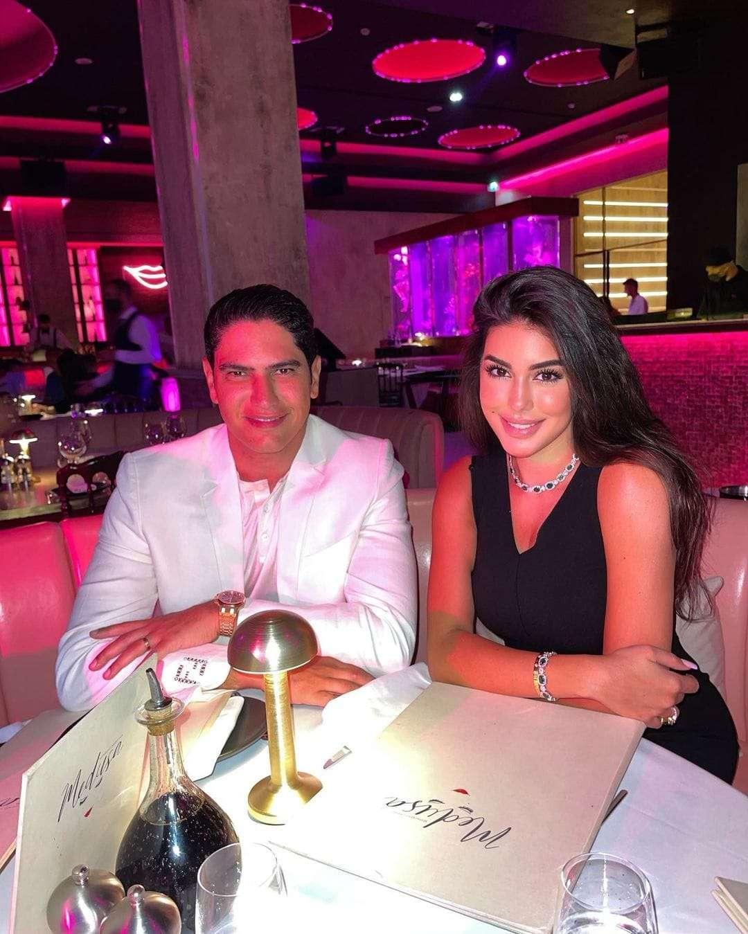 عشاء رومانسي يجمع ياسمين صبري وأحمد أبو هشيمة