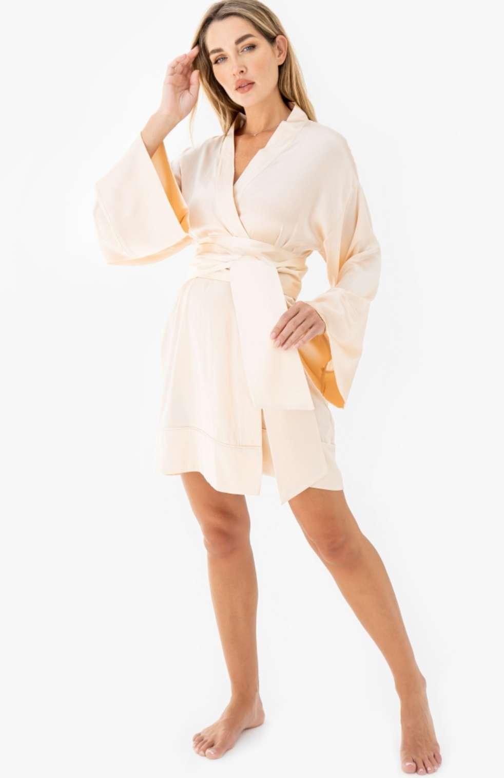كوني جذابة هذا الصيف بملابس النوم الحريرية الجميلة من State of REM