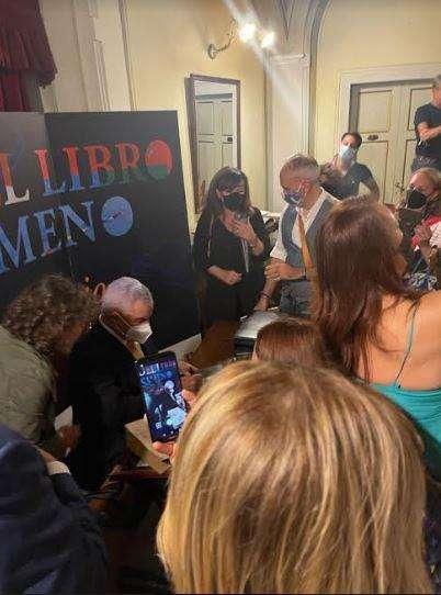 """كورتونا الإيطالية تختار زاهي حواس """"رجل العام"""" : مبروووووك"""