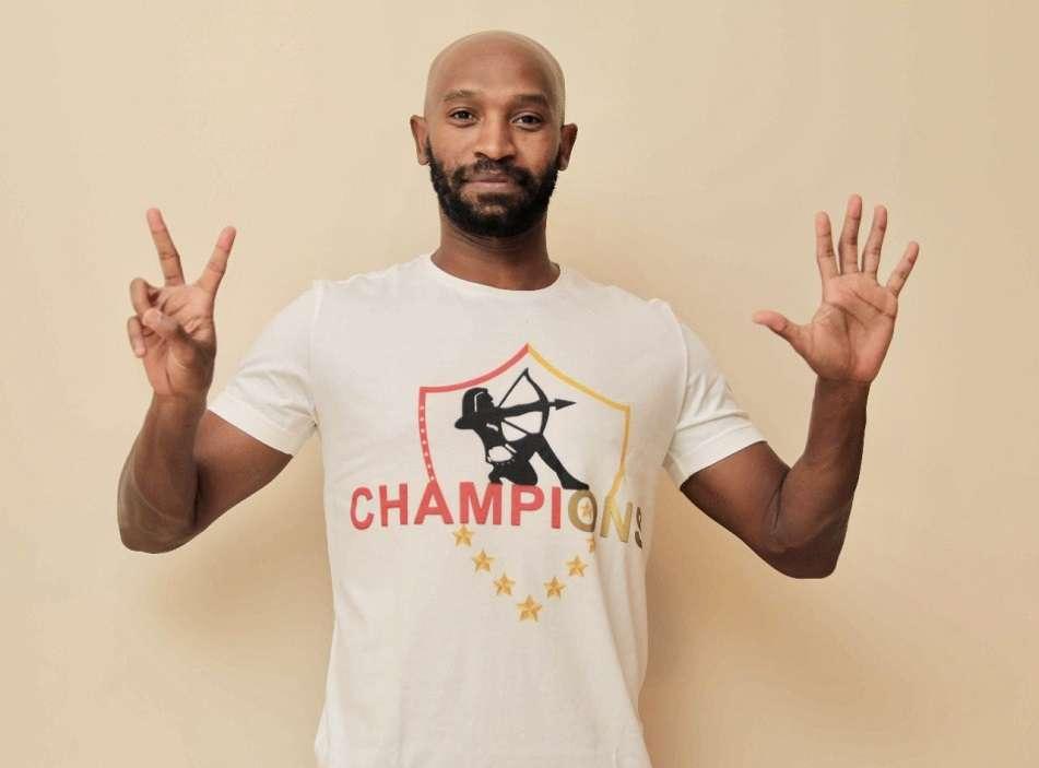 بقميص الأحمر.. شيكابالا يحتفل بسوبر إفريقيا لليد