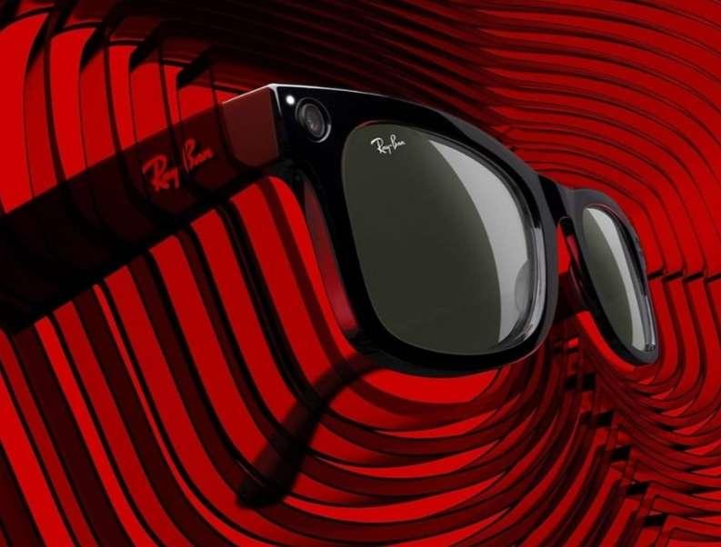 نظارة فيس بوك بثلاث وظائف : تتكلم وتصور وتذيع مزيكا