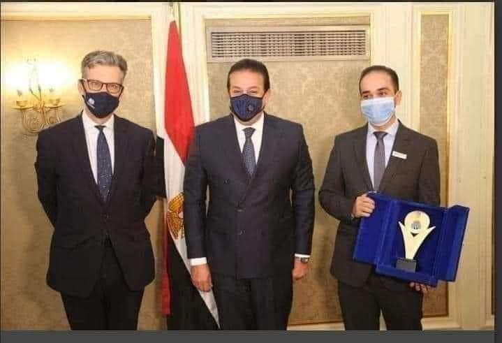 ولادك يا مصر: دكتور ماركو زكي أول مصري يفوز بجائزة نيوتن