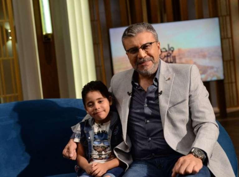 مقدمة مؤثرة لعمرو الليثي عن الطفل ياسين وليد المهدد بسبب مرض نادر