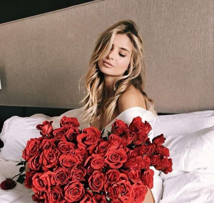 للمستَيقظ الآن: صبح على النائم الذي تحبه بهذه الورود