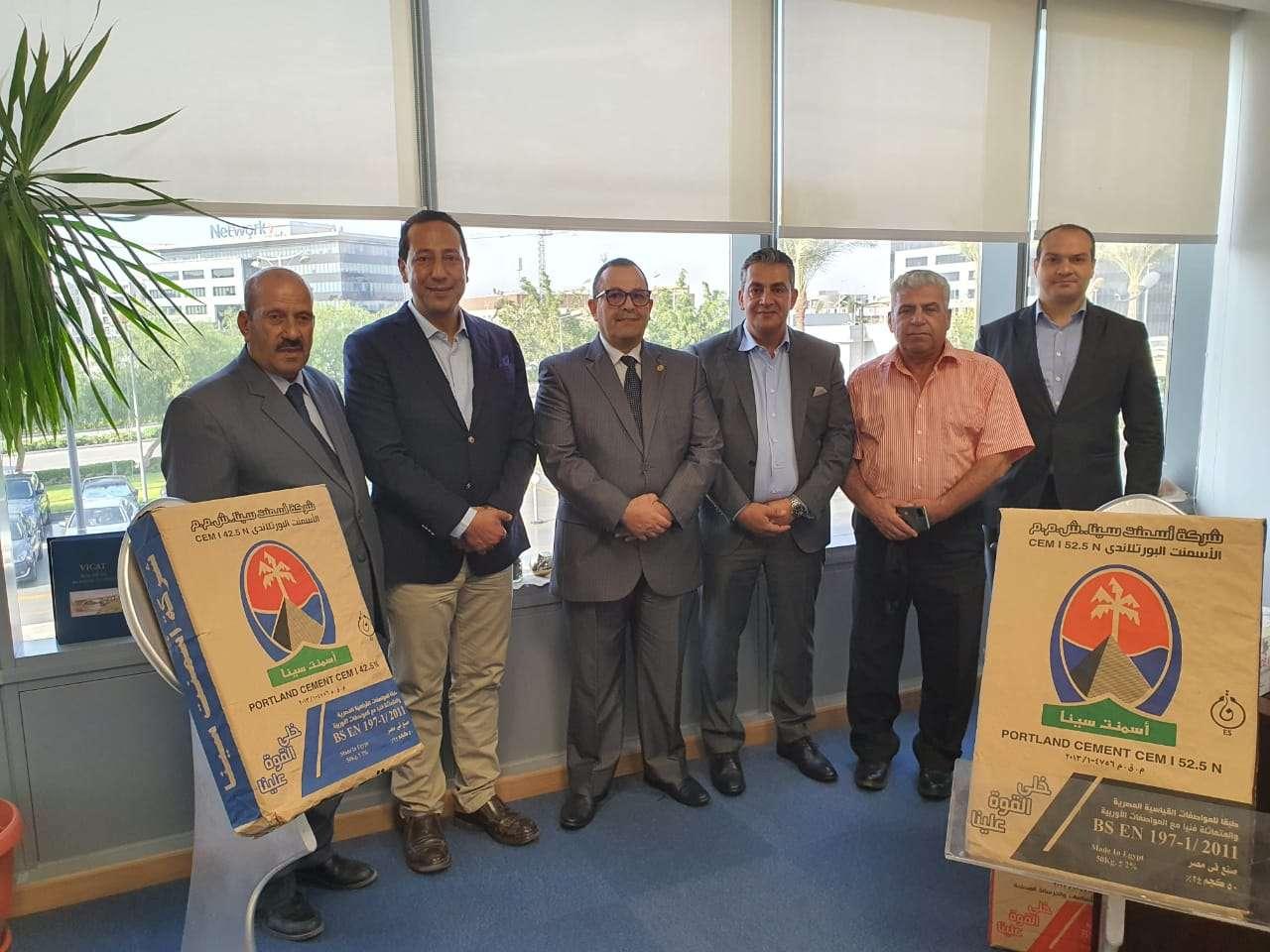 أسمنت سيناء تبحث مع المحافظة تعزيز التعاون المشترك لتنمية شمال سيناء