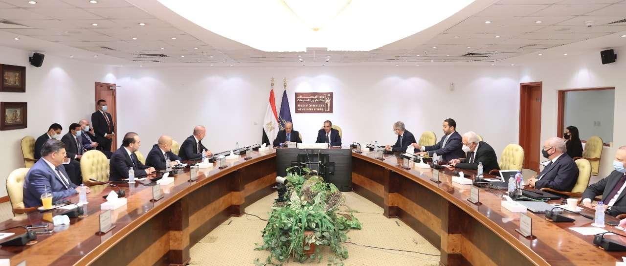 طلعت يشهد اتفاق شراكة مع IHS Towers لبناء وتأجير أبراج الاتصالات بمصر