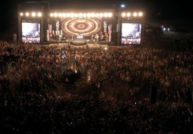 بالصور.. تامر حسنى يحيى حفلا ناجحا بالأردن بحضور جماهيرى ضخم