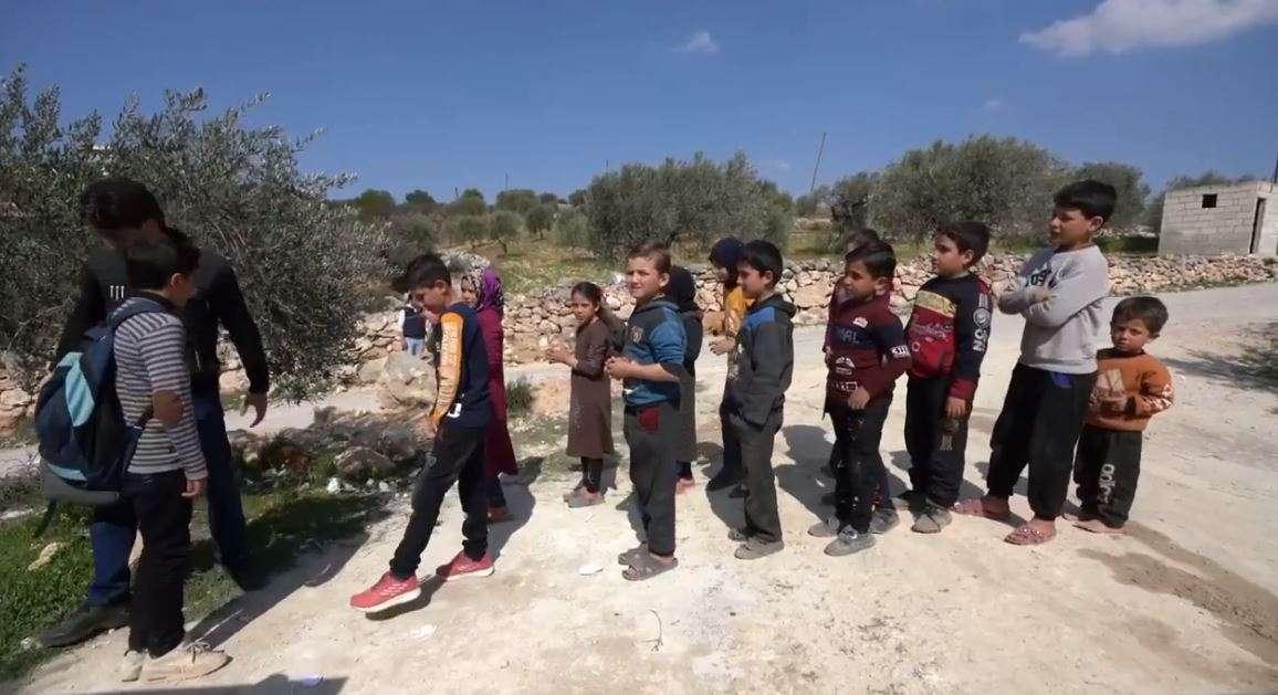 محمد الأسمر.. طفل سوري يلفت أنظار العالم