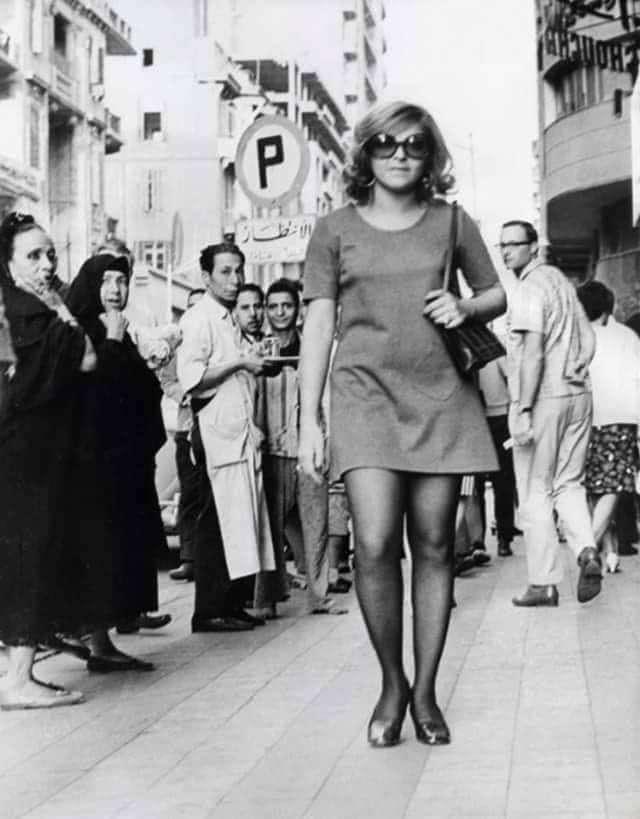 شوفوا مصر زمان: أول ظهور لموضة الميني جيب سنة 1968